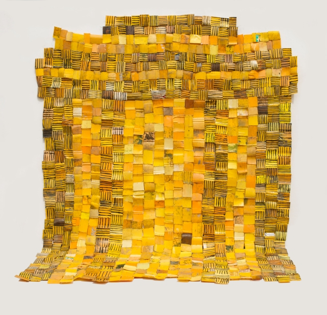 serge-attukwei-clottey-the-independence-arch-2016-plastics-wire-and-oil-paint-95-x-89-inches-c2a9the-artist-courtesy-gallery-1957-accra-kopie